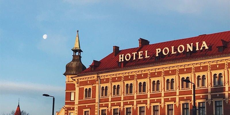 HOTELE - Andrzej Szymczyk, Walter Herz