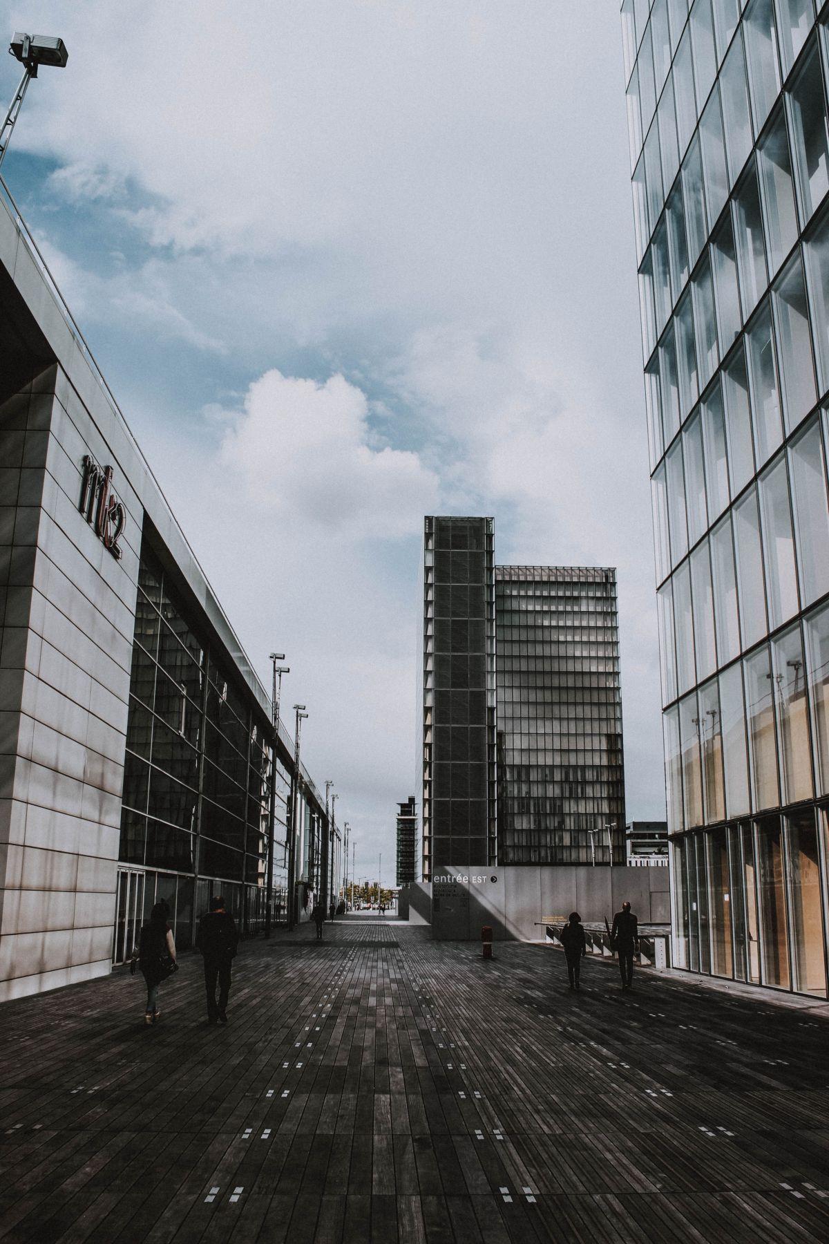 COVID-19 vs rynek nieruchomości okładka